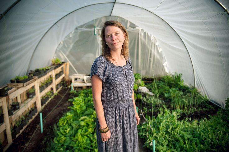 Pár évvel ezelőtt az egész kertészkedés képtelenségnek tűnt volna. Sikeres újságíróként Dóra Mel... Olvassa el a NOL.hu-n!