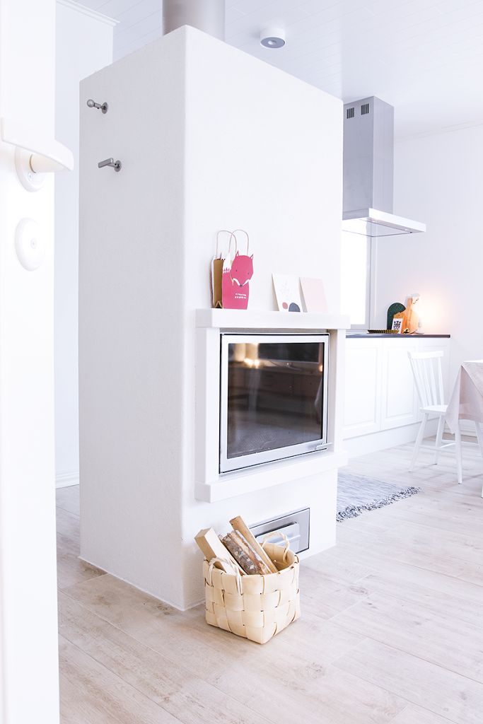 Un acogedor salón en blanco y madera | Decorar tu casa es facilisimo.com