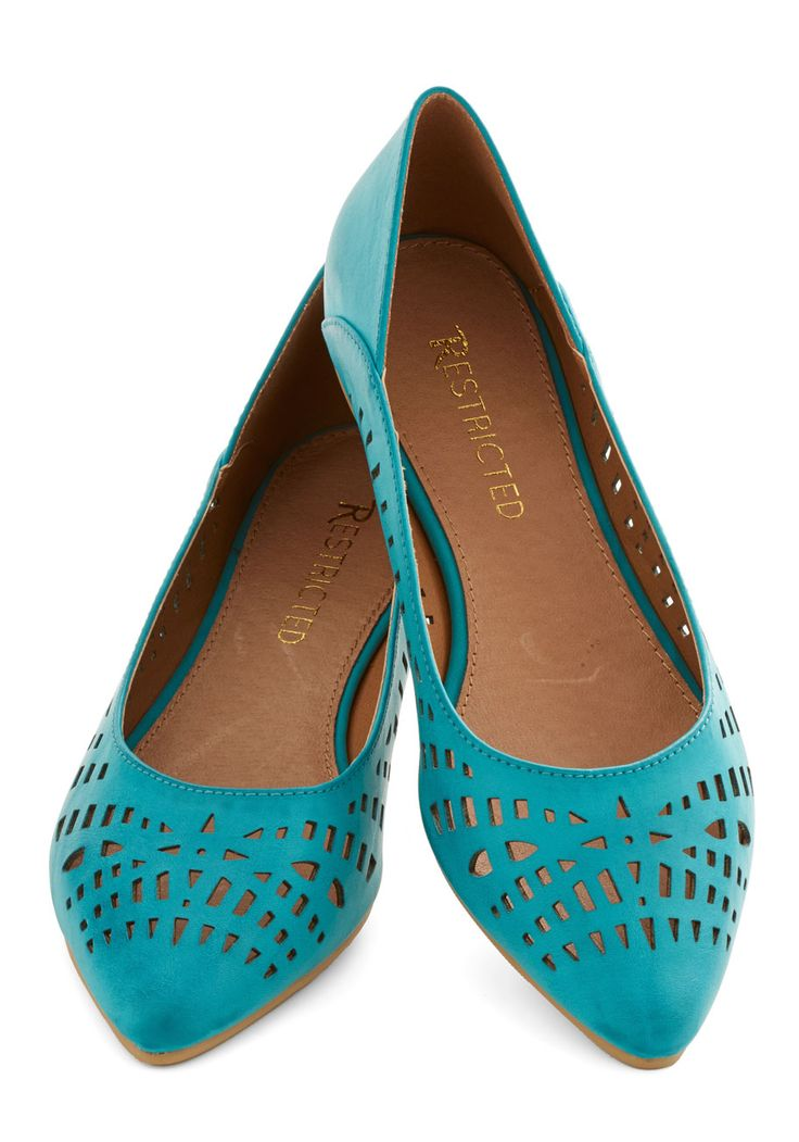 Al Fresco Adventure Flat in Sky. The air is warm and the sun is shining, so why not slip into these blue pointed flats from Restricted and head outside for an afternoon jaunt? #blue #modcloth
