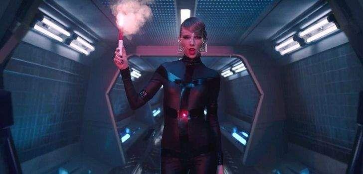 O produtor Simon Kinberg postou em seu twitter uma foto dele com Taylor Swift, Sophie Turner (Jean Grey) e James McAvoy (Professor X). O que gerou uma grande comoção nas redes sociais. Confira! Nada foi confirmado, mas alguns fãs já clamam por ela no papel de Cristal, uma famosa cantora mutante. Além disso, o filme …