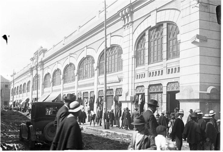 [Plaza de Mercado Central] / Anónimo / c.a. 1910 / Fondo Luis Alberto Acuña Casas / Colección Museo de Bogotá: MdB 00011 / Todos los derechos reservados