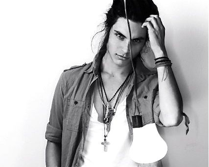 Is it weird that I find guys with long hair extremely hot. Not all..but ones like this.