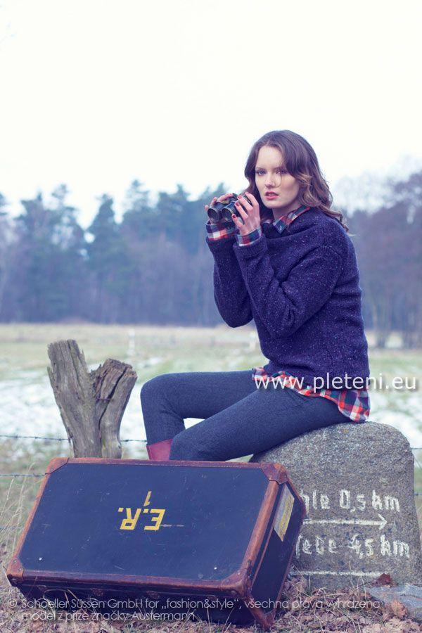 e8e452995aa7 dámský ručně pletený svetr se stojáčkem z příze Irish Tweed