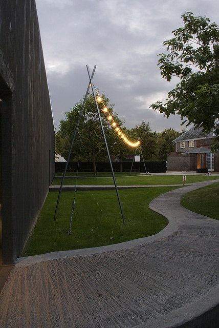 2011 serpentine gallery pavilion by peter zumthor for Piet oudolf serpentine gallery