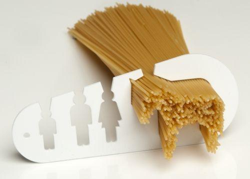 """Ég gæti borðað heilan hest (icelandic for """"I could eat a horse"""") spaghetti measuring tool by Stefán Pétur Sólveigarson. Via fromscandinaviawithlove.tumblr.com"""