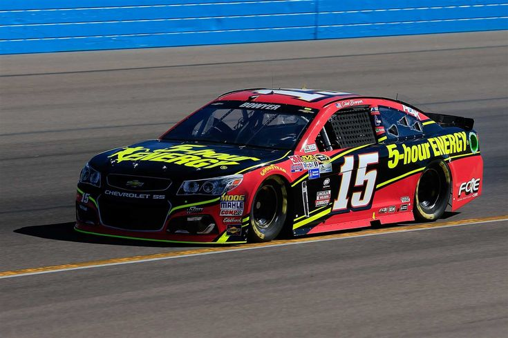 Clint Bowyer will start 34th in the No. 15 HScott Motorsports Chevrolet.  Crew Chief: Steve Addington  Spotter: Brett Griffin  --  Starting lineup for Can-Am (Phoenix-Nov.) 500 | Photo Galleries | Nascar.com