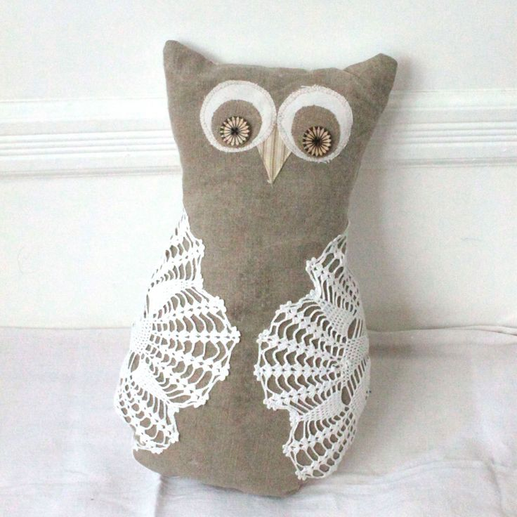 17 best images about owl pillows on pinterest owl sewing. Black Bedroom Furniture Sets. Home Design Ideas