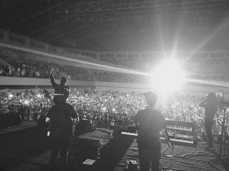TULUS @ GOR UNY 21 Feb 2015 #tulus #musiktulus #singer #indonesiansinger #gajah #konser