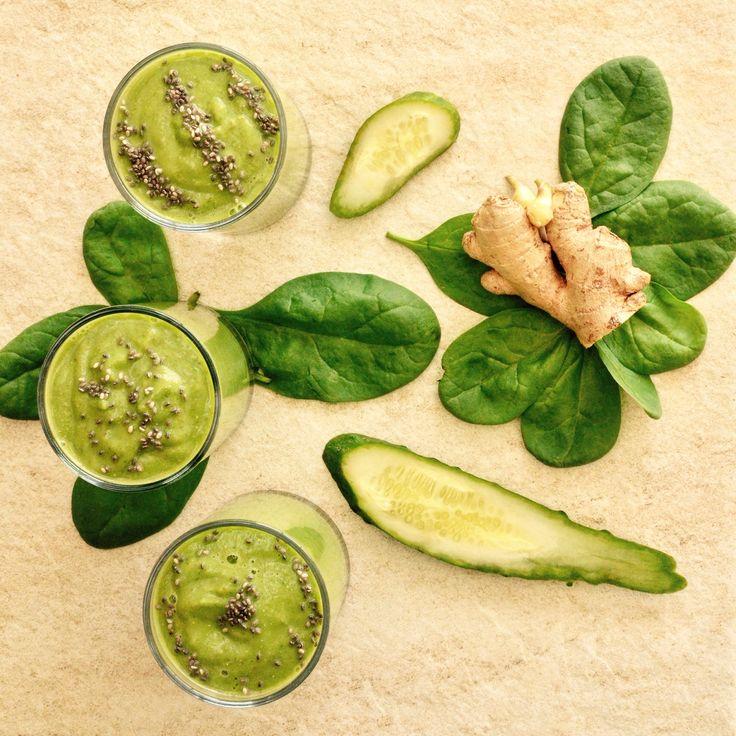Grön smoothie med bl.a. gurka och ingefära! 🌱Receptet finns i meny 13.  www.allaater.se