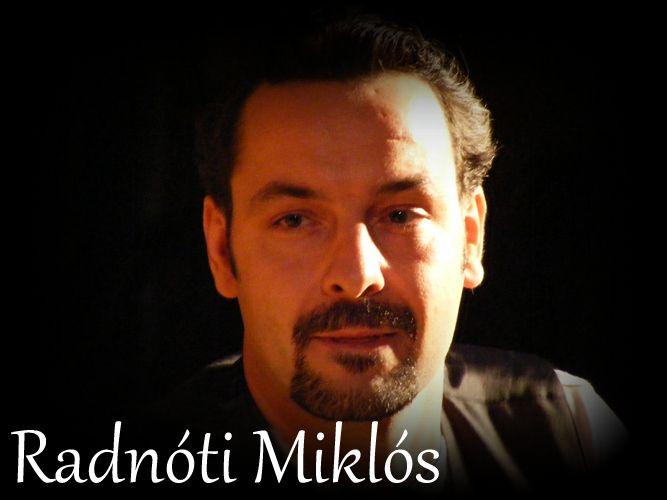 Radnóti Miklós életét és költészetét bemutató rendhagyó versszínházi irodalomóra általános-, közép- és főiskoláknak. A Versszínház™ előadása. Turek Miklós színművész előadásában www.versszinhaz.eu