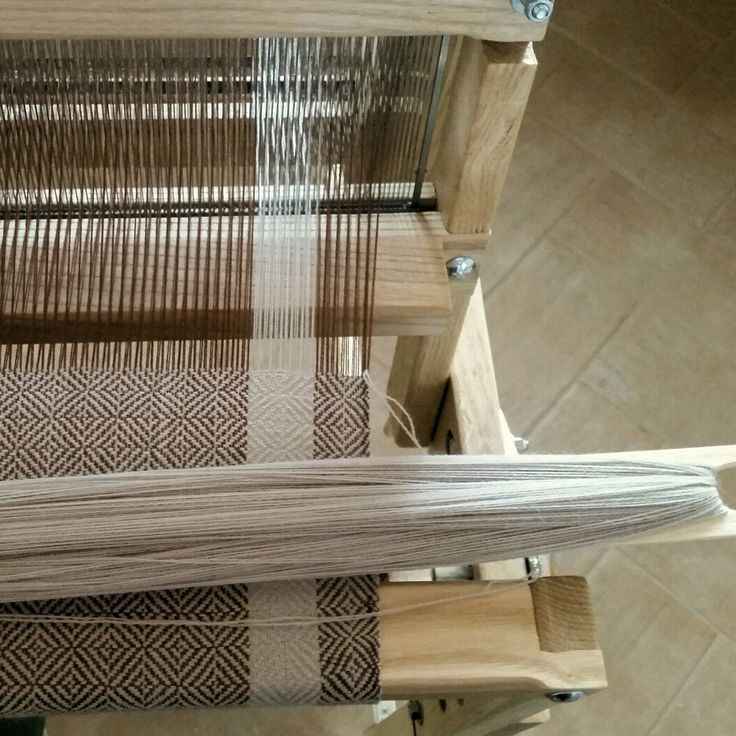 New handwoven medieval shawls on my loom now. I can also weave custom shawls with your favourite colors and patterns.