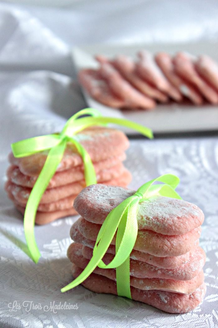Les Biscuits Roses de Reims - (almost) too pretty to eat! Click for recipe.