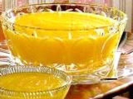Receita de Baba de moça diet - 6 gemas peneiradas, 1/2 xícara de chá de água, 1 vidro de leite de coco (200 ml), 1 colher de sopa de amido de milho, 20 envelopes de adoçante em pó