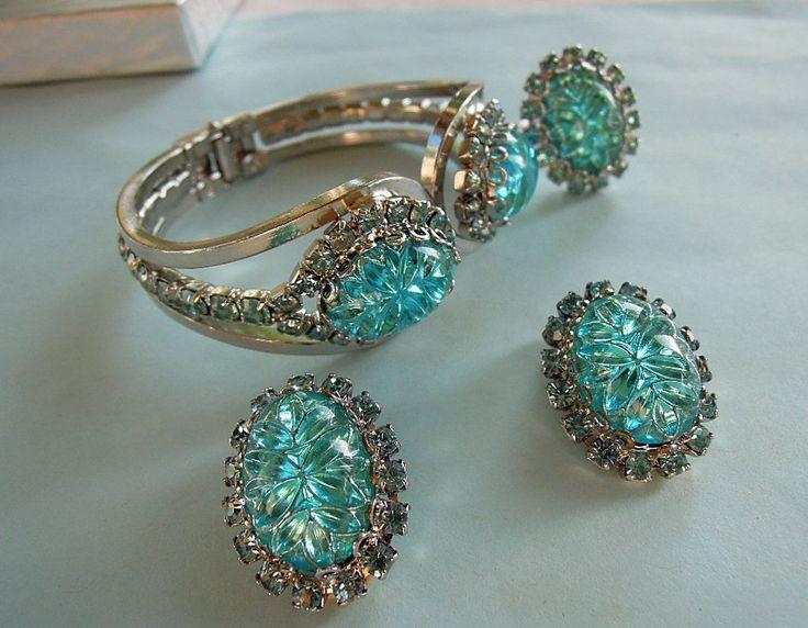 Online vintage jewelry, armenia aunty