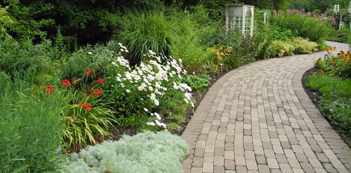 Perennial Walk, Fellows Riverside Garden, Mill Creek MetroPark, Youngstown, Ohio
