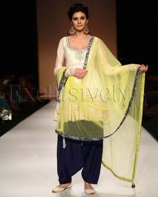 #Exclusivelyin,  #IndianWear, #Fashion, Sanam Cream Cropped Anarkali With Navy Salwar