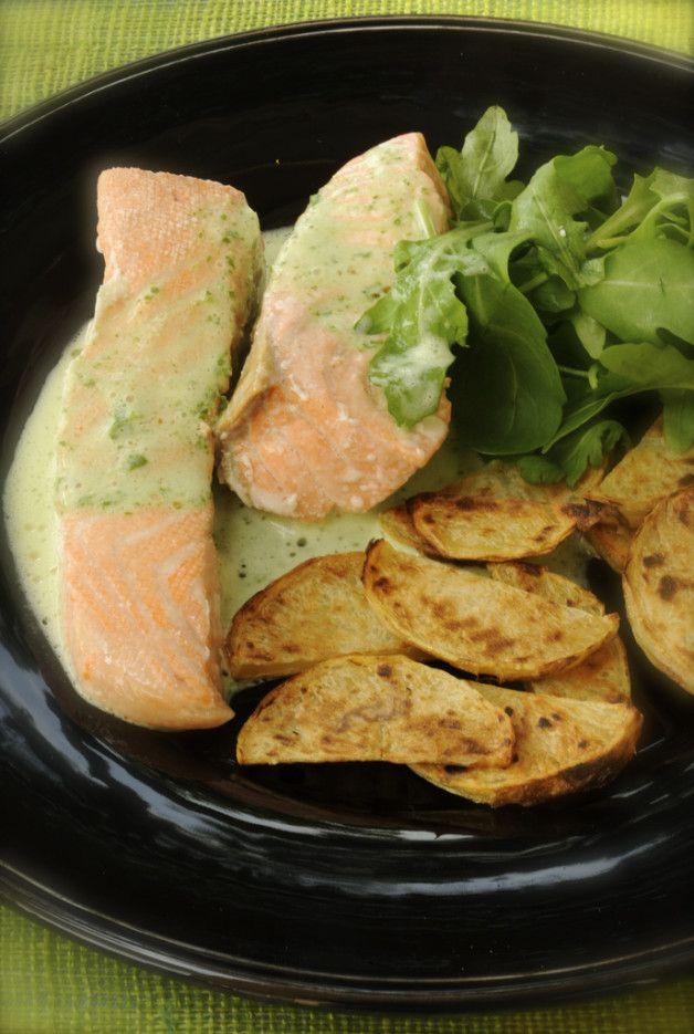 Понедельник и лосось на пару с жареным картофелем