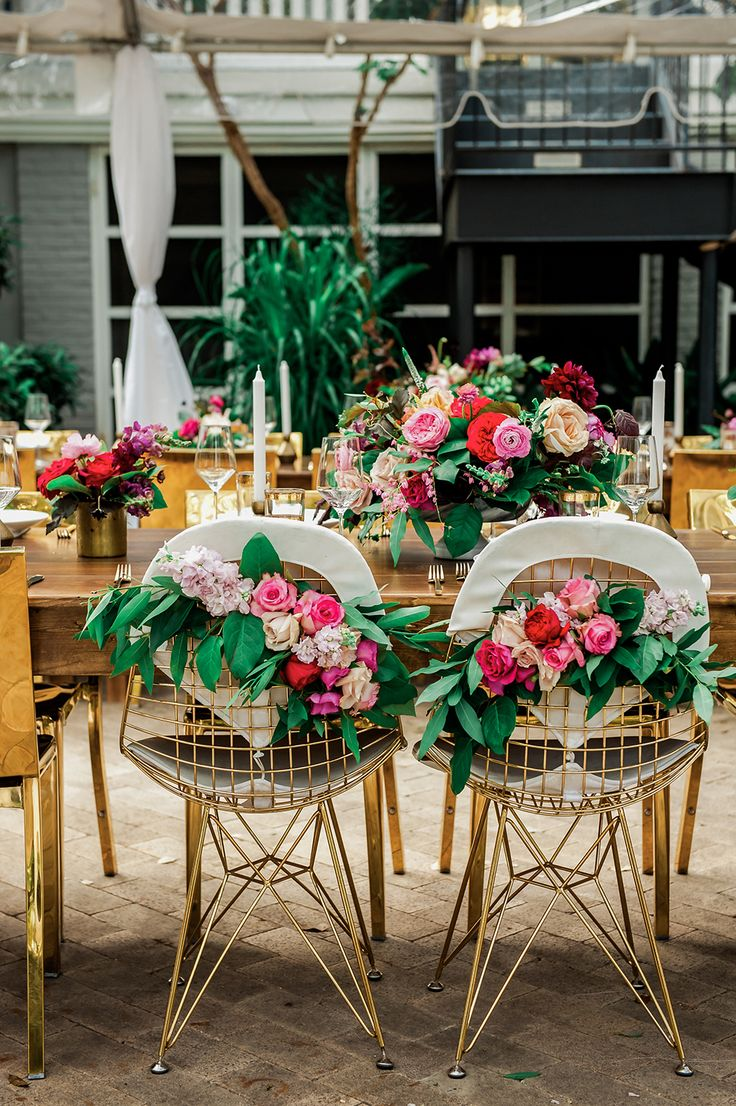Hotel Saint Cecilia wedding venue - http://ruffledblog.com/bright-and-bold-austin-wedding photo Jennifer Lindberg