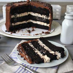 Dark Chocolate Salted Caramel Layer CakeCake Recipe, Salts Caramel, Layer Cakes, Dark Chocolates, Caramel Layered, Layered Cake, Caramel Cake, Chocolates Salts, Salted Caramels