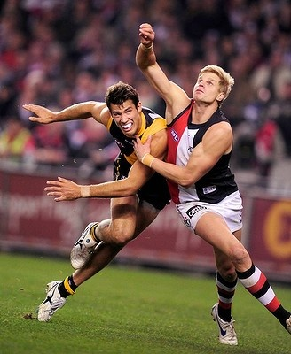 Nick Reiwoldt battles with Richmond's Alex Rance.