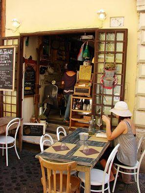 Lugares reales que aún existen en la #Roma más oculta. Muchos más sitios en: https://dionisiopimiento.wordpress.com/guias-de-ciudad-mis…/ #DionisioPimiento #Food #Foodie