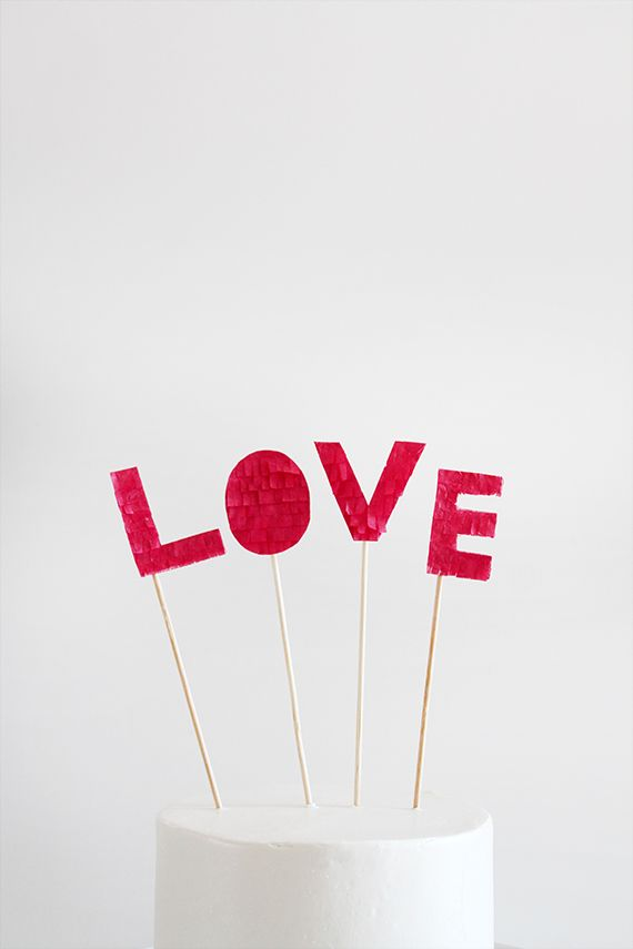 diy valentines fringed cake topper for sugar & cloth