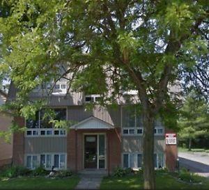 2 Bedroom $800 + hydro Belleville Belleville Belleville Area image 1