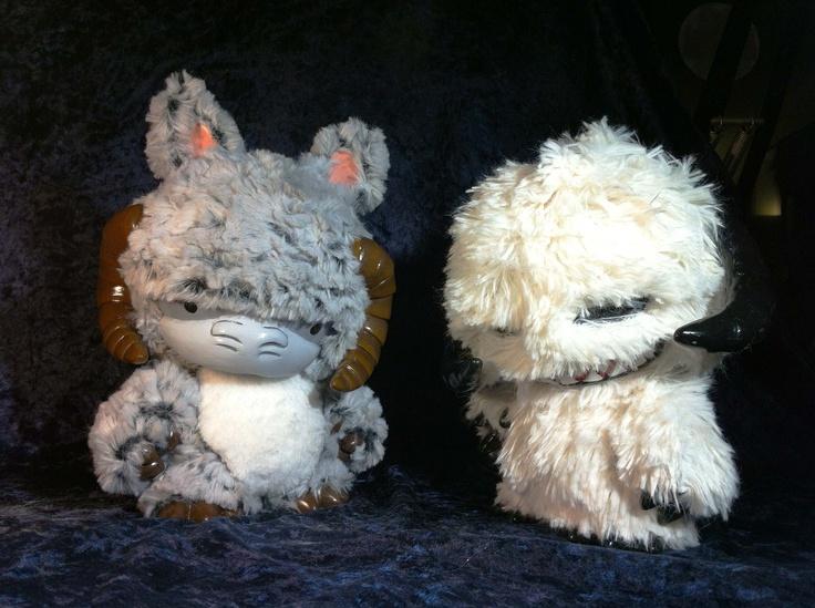 stuffed wampa and taun taun.: War Awesome, Custom Photos, War Custom, Stars War, Taun Taun, Star Wars, Products, Stuffed Wampa