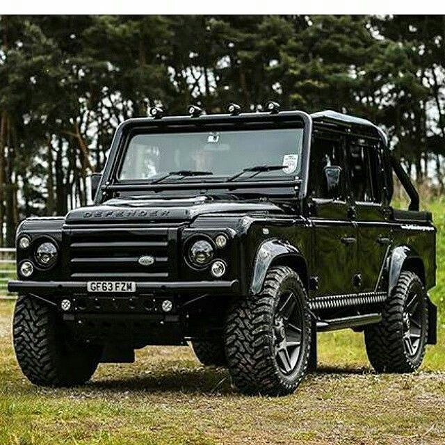 Land Rover Defender 110 Td4 crewcab has been living in cyberspace space for eons.