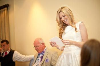 The bride's speech – Top tips for delivering that all-important speech * For Brides wanting to contribute to wedding day speeches.