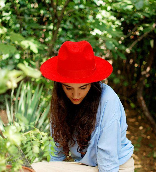FRAUEN Fedora Hut rotem Filz Trilby Hut Herbst  von TUTUHandmadeHats auf DaWanda.com