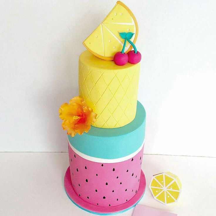 How cute! I'm going to order this Summer fruit from my Publix bakery, they make the best cakes!! #contest