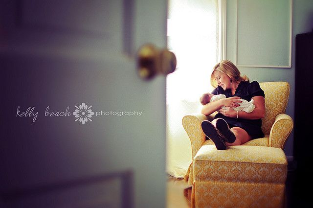I Love this idea for a newborn photo session.