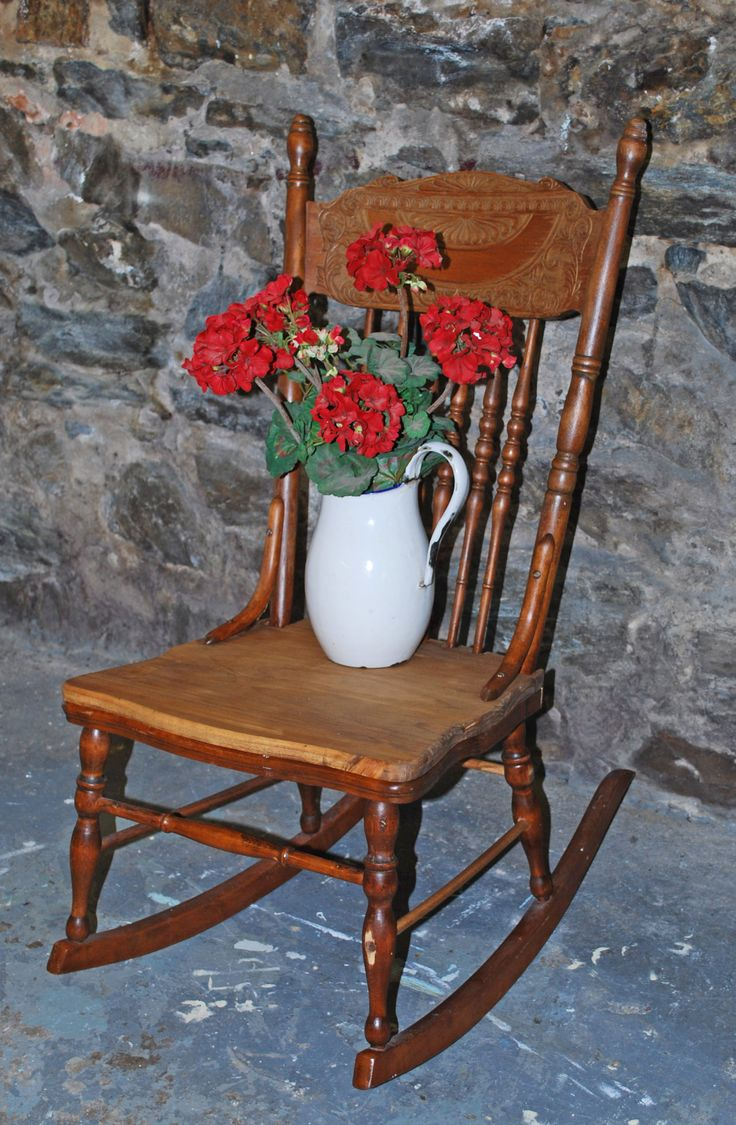 Antique bucket chair - Cottage Antique Rocking Chair