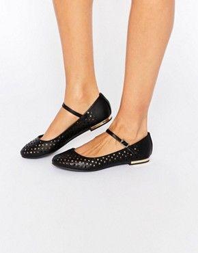 Truffle Collection - Lulu - Babies plates perforées   fashion   Pinterest    Chaussure, Chaussures Compensées et Chaussures talons 0d023f41cf53