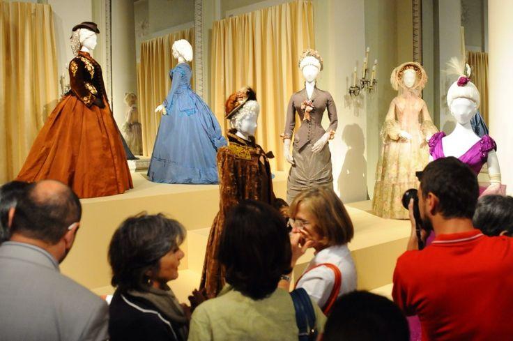 """Fino all'11 gennaio 2015, la galleria del Costume in Palazzo Pitti espone 15 costumi cinematografici e teatrali di Piero Tosi, 86 anni, recentemente insignito dell'Oscar alla carriera. I pezzi appartengono ai set di """"Medea"""" di Pasolini, """"L'Innocente"""", """"Ludwig"""" e """"L"""