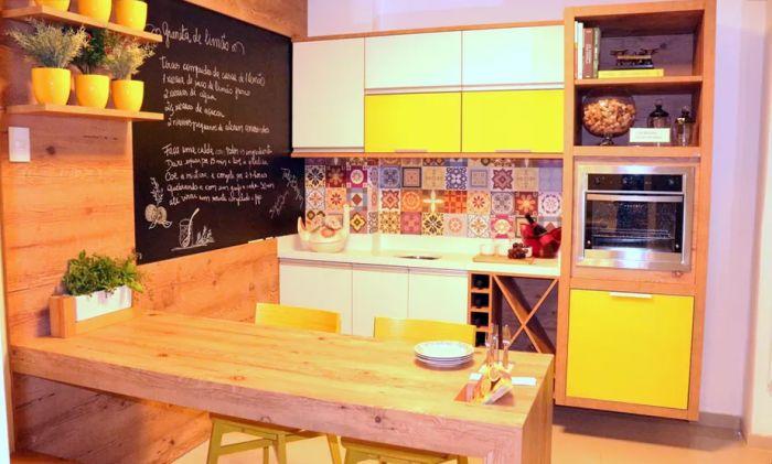 Decoração de uma cozinha rústica e moderna