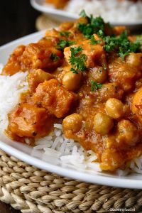 Curry met zoete aardappel - LoveMyFood Sweet potato and chickpea curry. So good!!!