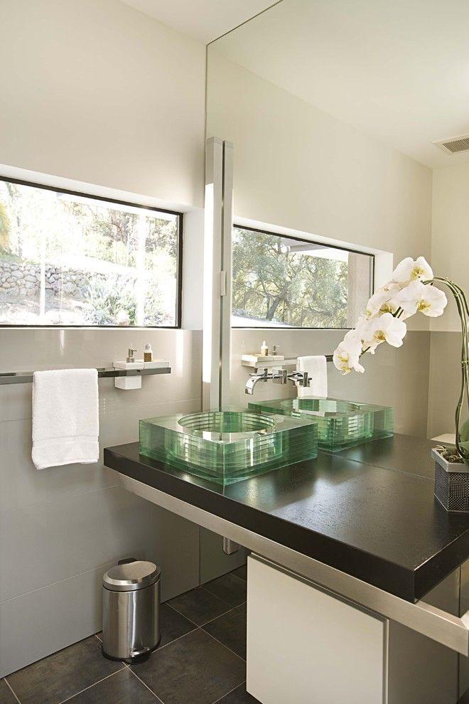 Накладная раковина на столешницу: 75+ воплощений эргономики и эстетики в ванной комнате http://happymodern.ru/rakovina-dlya-vanny-nakladnaya-na-stoleshnicu/ rakovina_v_vannoj_12