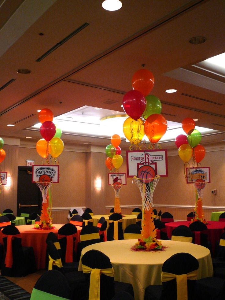 basketball centerpieces w balloons spring sports banquet pinterest baseball basketball. Black Bedroom Furniture Sets. Home Design Ideas