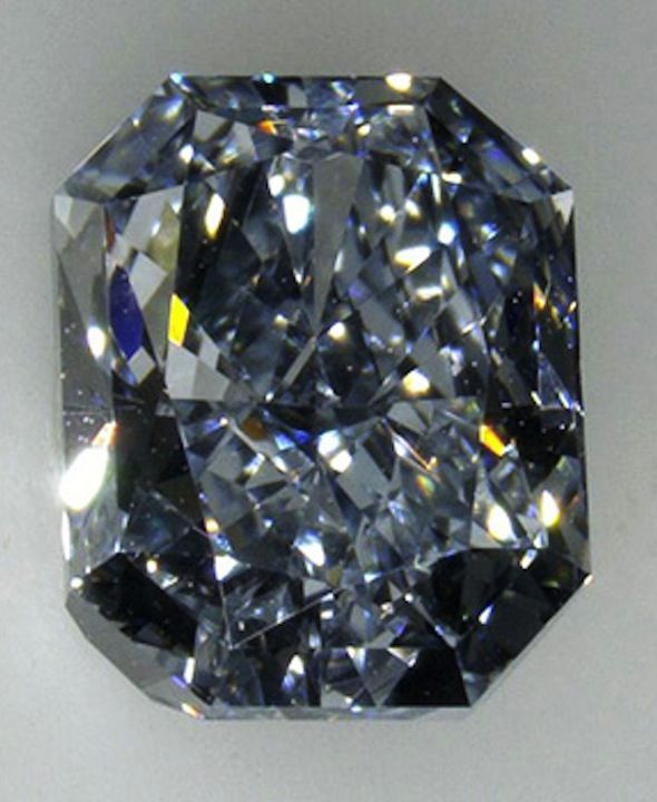 Fancy Blue Diamond | #RitaniPinterest