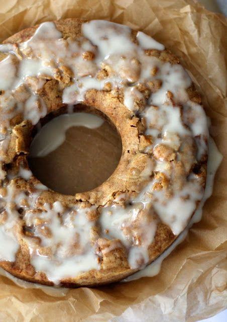 Uncle Bob's Fresh Apple Cake is pleasantly sweet and extremely moist | acupofmascarpone.com