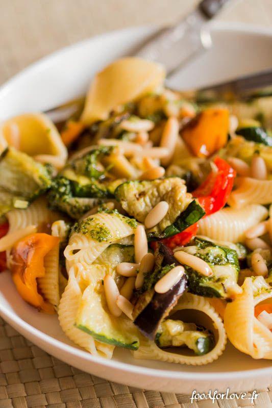 Photo Salade de Pâtes aux Légumes, Pignons et Pesto