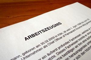 Tipps zu Arbeitszeugnissen Teil2: Warum Sie Zeignisse nie weglassen sollten...  http://karrierebibel.de/bewerbung-mit-anlagen-arbeitszeugnisse-nie-weglassen/