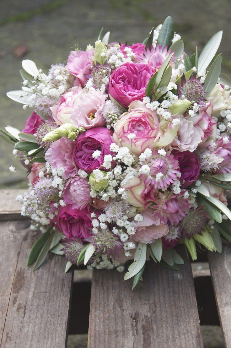 braustr u e mit romantischen rosen in ros pink mit schleierkraut hochzeitsfloristik f r. Black Bedroom Furniture Sets. Home Design Ideas