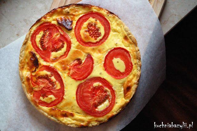 Kuchnia Bazylii: Tarta z camembertem, serkiem topionym i pomidorami
