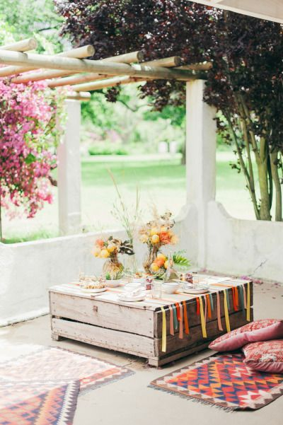 Welcome brunch: http://www.stylemepretty.com/little-black-book-blog/2015/02/27/south-african-welcome-brunch-inspiration/ | Photography: Lisa Poggi - http://www.lisapoggi.com/