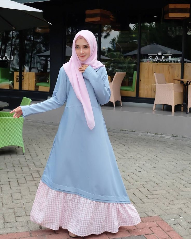 "2,151 Likes, 22 Comments - Masyaa Allah.Tabarakallah (@reistaputrii) on Instagram: ""Assalamu'alaikum .. Happy friday mubarak  . . . Aku pake dress dari @amaneena.hijab Bordir bunga…"""