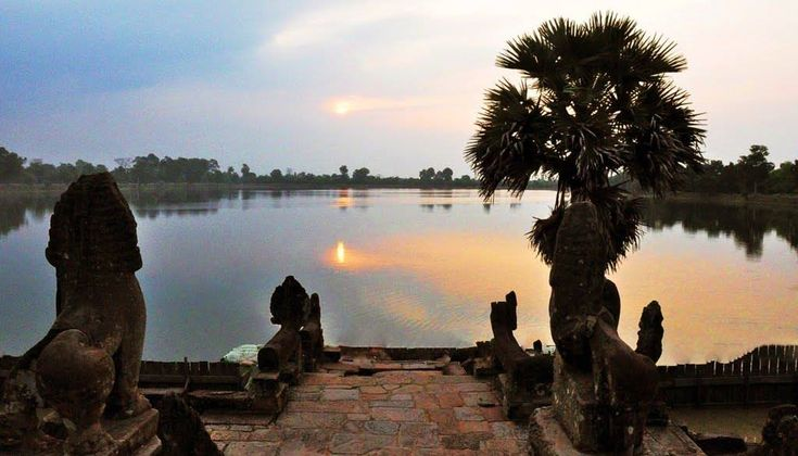 Srah Srang (Khmer: ស្រះស្រង់) is a baray or reservoir at Angkor, Cambodia, located south of the East Baray and east of Banteay Kdei. #siemreap #angkor  #visitcambodiaofficial #visitcambodia #cambodia #cambodiakingdomofwonder  #angkorwat #kingdomofwonder #siemreapprovince #worldheritage #worlddestinationstravel #worlddestinationtravel #MostVisitedTouristAttractions #MostVisitedTouristAttraction #WorldsTopLandmark #WorldTopLandmark #WorldsTopTouristSite #WorldTopTouristSite