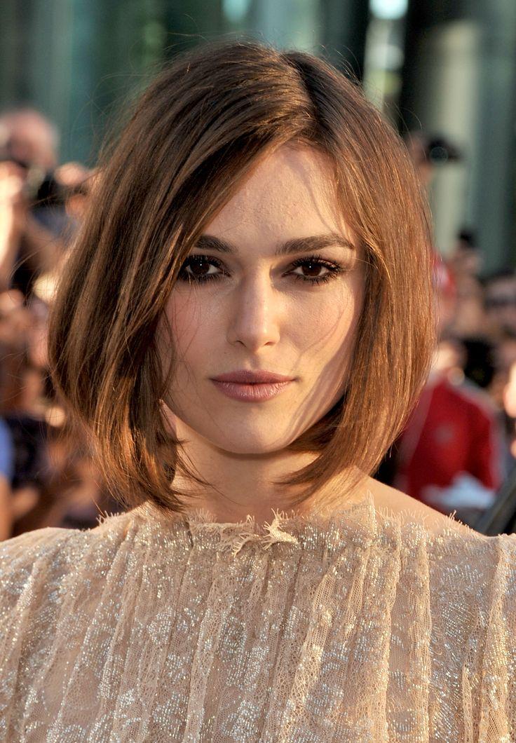 Bizony, a hosszú hullámos lobonc Hollywoodban már nem menő. Erre a legjobb példa a követkő 10 A-listás sztár, akinek sokkal jobban áll a rövid haj, és nem is akarnak megválni tőle! Mindig nagy port kavar, ha egy híresség drasztikusan megváltoztatja a frizuráját. Mi lenne látványosabb, mint a hajvágás? Nem, nem egy filmszerep kedvéért vagy szakítás…